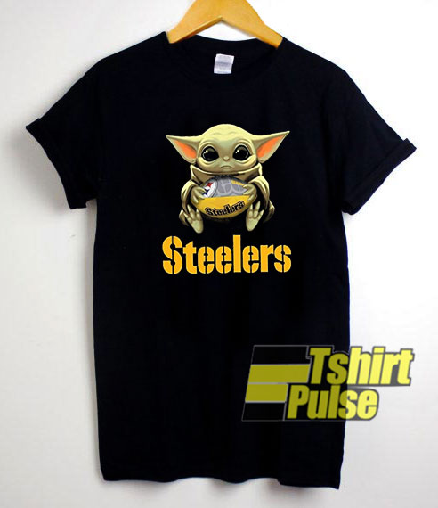 Baby Yoda Hug Pittsburght Steelers t-shirt for men and women tshirt