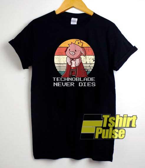 Technoblade Never Dies Retro shirt